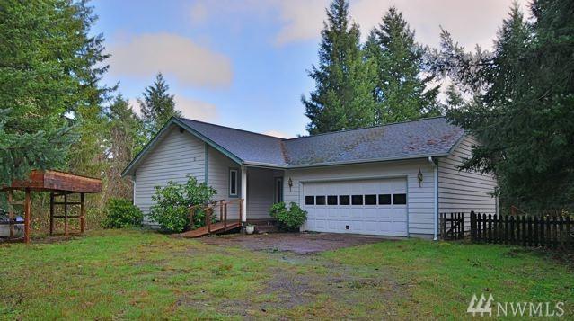 11538 Snowcap Lane SE, Rainier, WA 98576 (#1249040) :: Gregg Home Group