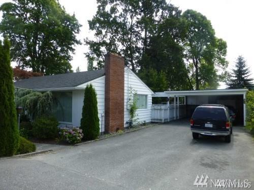 2400 E College Wy, Mount Vernon, WA 98273 (#1249520) :: Homes on the Sound