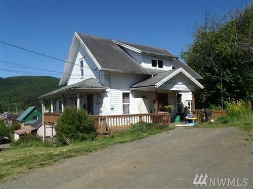 1126 Mill St, Raymond, WA 98577 (#1252491) :: Carroll & Lions