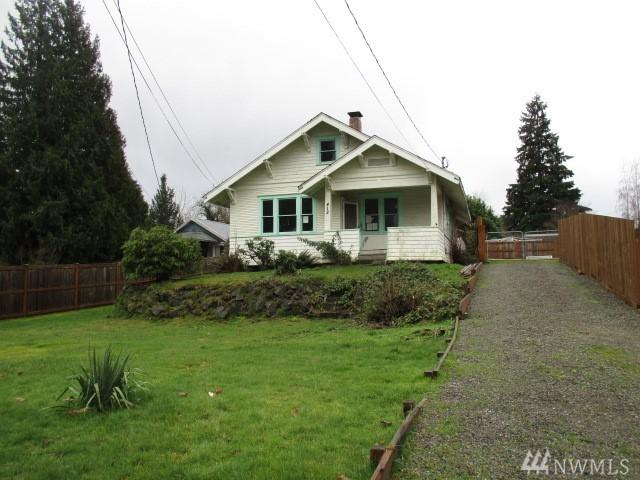 412 7th Ave NE, Puyallup, WA 98372 (#1259566) :: Homes on the Sound