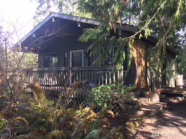 954 Cool Rd, Camano Island, WA 98282 (#1260843) :: Tribeca NW Real Estate
