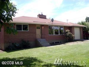 1405 Springwater, Wenatchee, WA 98801 (#1261053) :: Canterwood Real Estate Team
