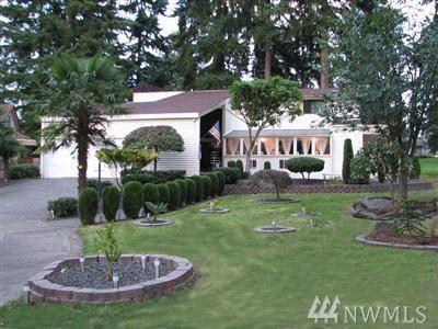 32100 32nd Ave SW, Federal Way, WA 98023 (#1261440) :: The Kendra Todd Group at Keller Williams