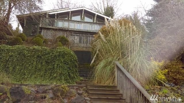 402 NE Adams Ave, Chehalis, WA 98532 (#1261515) :: The Vija Group - Keller Williams Realty