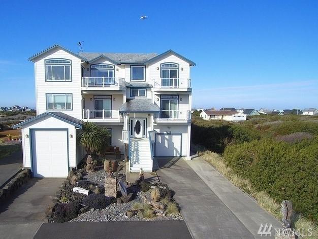 1273 E Ocean Shores Blvd SW, Ocean Shores, WA 98569 (#1262156) :: Keller Williams Everett