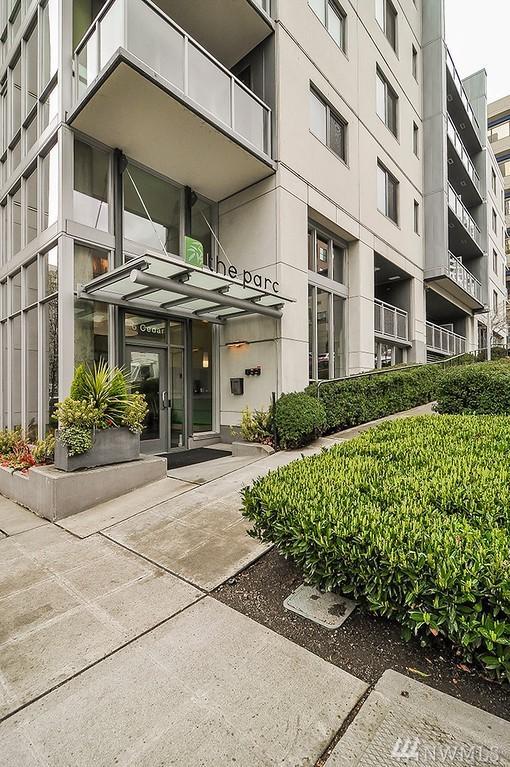 76 Cedar St #904, Seattle, WA 98121 (#1262276) :: Ben Kinney Real Estate Team