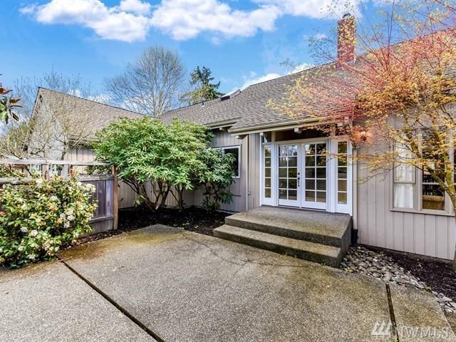 6251 NE 159th St, Kenmore, WA 98028 (#1262908) :: Morris Real Estate Group