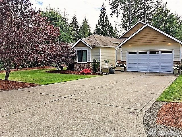 140 E Lake Forest Dr, Allyn, WA 98524 (#1267945) :: Homes on the Sound