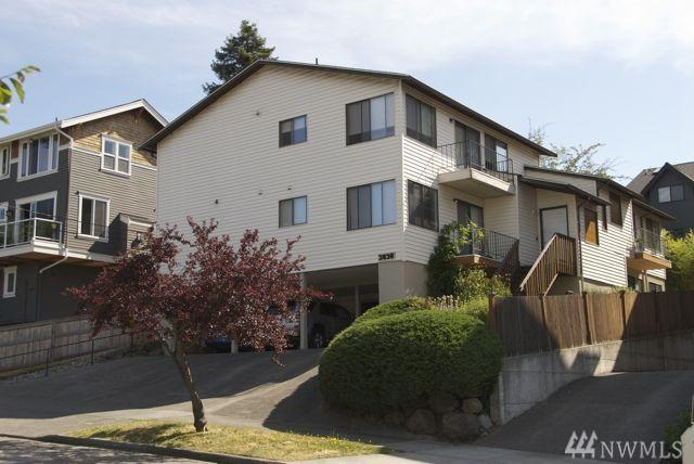 3830 Interlake Ave N, Seattle, WA 98103 (#1273433) :: Beach & Blvd Real Estate Group