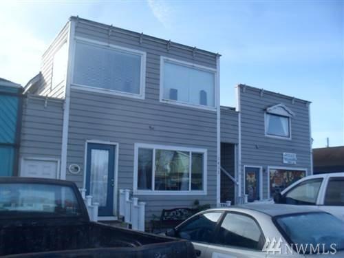 1412 Bay Ave, Ocean Park, WA 98640 (#1275141) :: Carroll & Lions