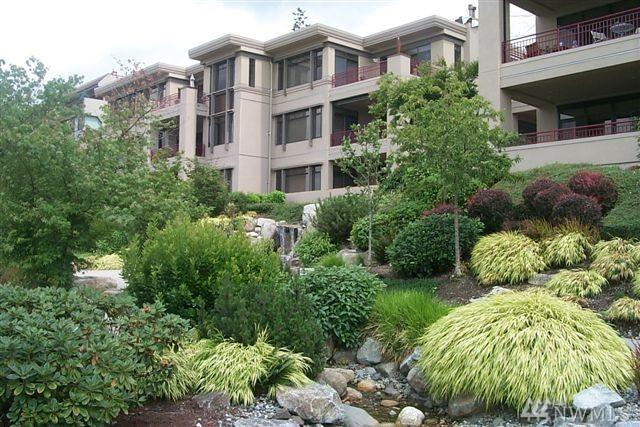 219 Fifth Ave S F203, Kirkland, WA 98033 (#1276524) :: The Robert Ott Group