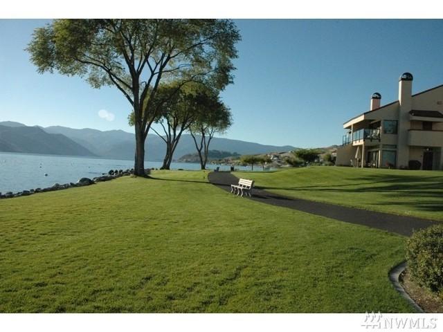 100 Lake Chelan Shores Dr 17-4C, Chelan, WA 98816 (#1277838) :: Homes on the Sound