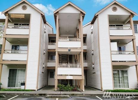 10824 SE 170th St B102, Renton, WA 98055 (#1278193) :: Keller Williams - Shook Home Group