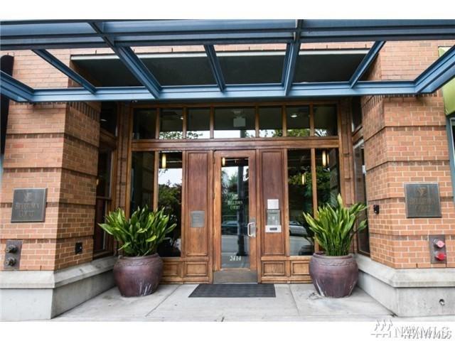 2414 1st Ave #601, Seattle, WA 98121 (#1279881) :: The Vija Group - Keller Williams Realty