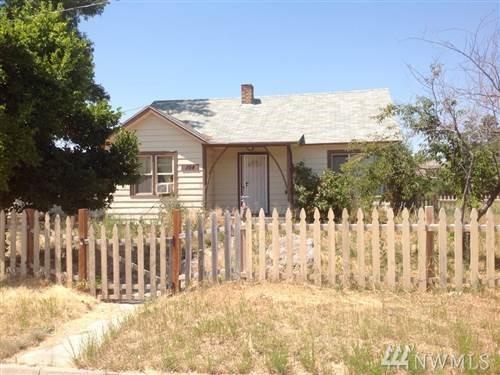104 Joseph St, Tonasket, WA 98855 (#1280130) :: Morris Real Estate Group