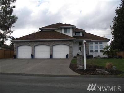 5120 46th Av Ct E, Tacoma, WA 98443 (#1281925) :: Kwasi Bowie and Associates