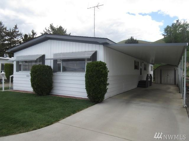 300 Alps Rd #1002, Moxee, WA 98936 (#1284092) :: Homes on the Sound