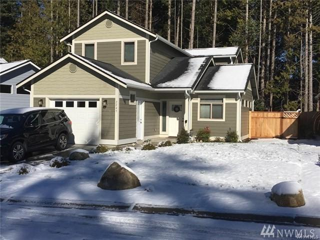 2245 W Rosecrans Ct, Port Townsend, WA 98368 (#1284468) :: Homes on the Sound