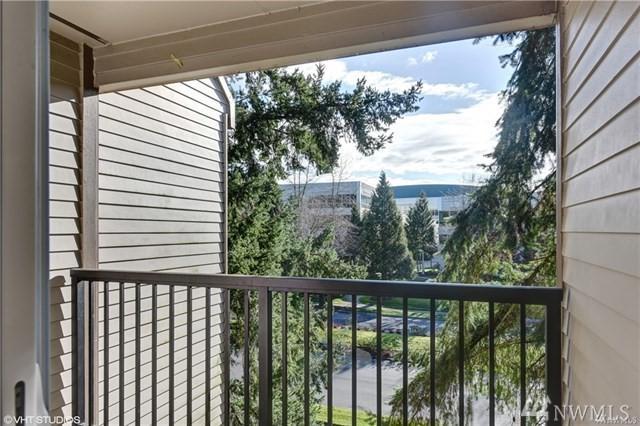 14650 NE 32 St A-20, Bellevue, WA 98007 (#1284815) :: McAuley Real Estate