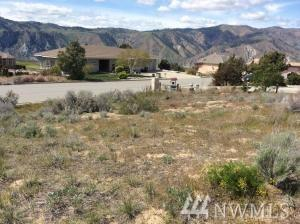 304 Desert View Place, Orondo, WA 98843 (#1288281) :: Homes on the Sound