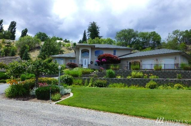 8 Valley View Park Dr, Omak, WA 98841 (#1288305) :: Homes on the Sound