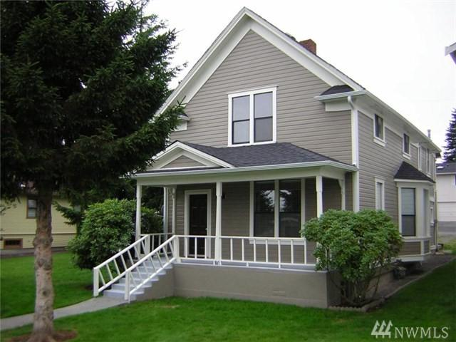 1512 Maple St, Everett, WA 98201 (#1288453) :: Kwasi Bowie and Associates