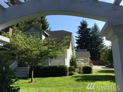14237 73rd Ave NE, Kirkland, WA 98034 (#1290442) :: The DiBello Real Estate Group