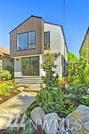 752 N 73rd St, Seattle, WA 98103 (#1290580) :: Better Homes and Gardens Real Estate McKenzie Group