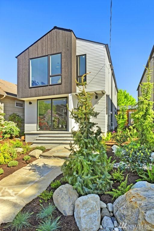 750 N 73rd St, Seattle, WA 98103 (#1290601) :: Better Homes and Gardens Real Estate McKenzie Group
