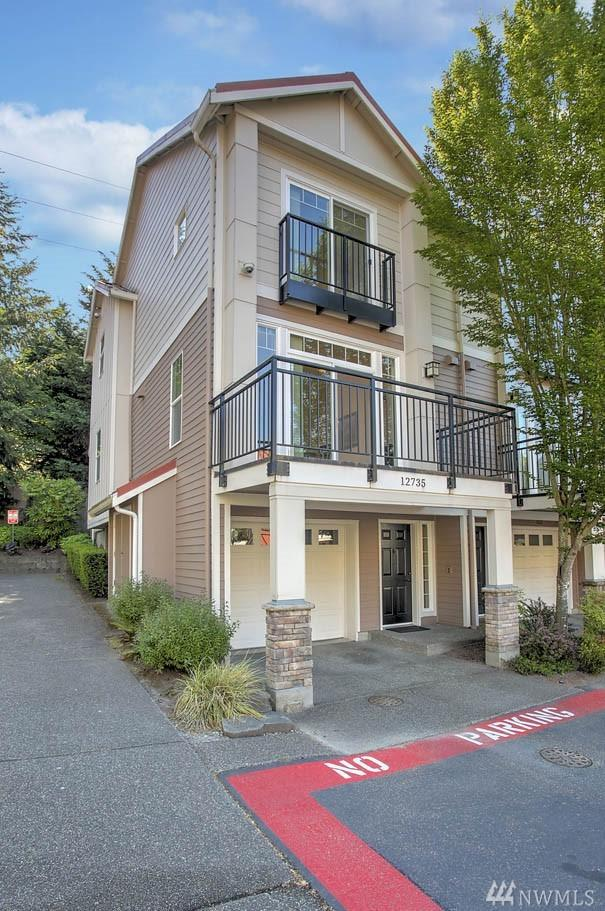 12735 SE 41st Place #101, Bellevue, WA 98006 (#1290818) :: Icon Real Estate Group