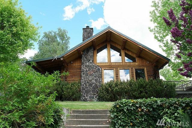 105 Lloyd Rd, Manson, WA 98831 (#1291502) :: Icon Real Estate Group