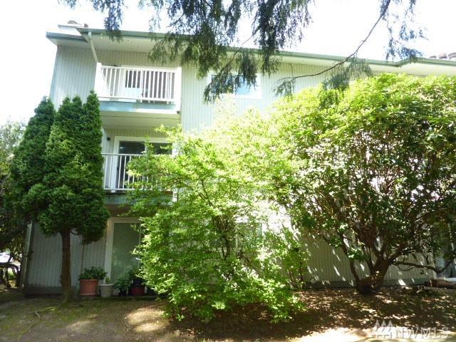 5820 200th St SW D, Lynnwood, WA 98036 (#1292019) :: McAuley Real Estate