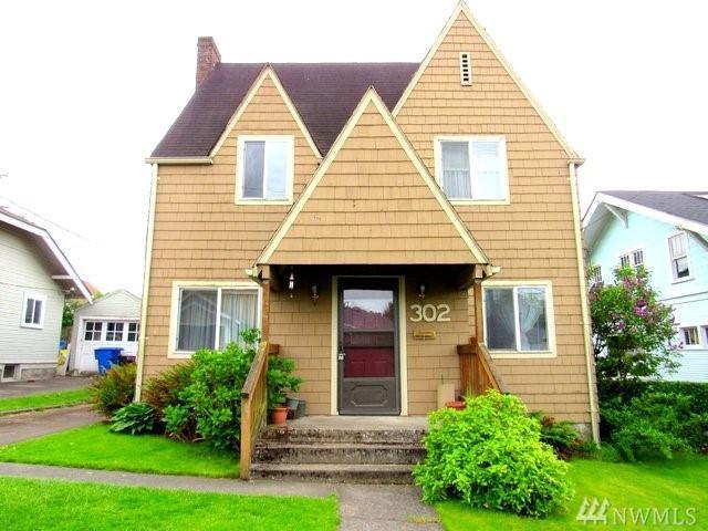 302 Columbia St, Kelso, WA 98626 (#1293699) :: Morris Real Estate Group
