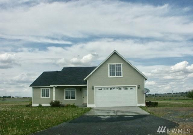 8150 NE 2.4 Rd, Moses Lake, WA 98837 (#1299613) :: Better Homes and Gardens Real Estate McKenzie Group