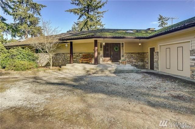 915 Lawson Rd, Camano Island, WA 98282 (#1300696) :: Real Estate Solutions Group