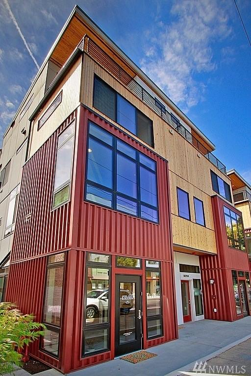 3213-A California Ave SW, Seattle, WA 98116 (#1300787) :: The DiBello Real Estate Group