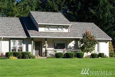 2525 21st Av Ct NW, Gig Harbor, WA 98335 (#1301327) :: The Home Experience Group Powered by Keller Williams