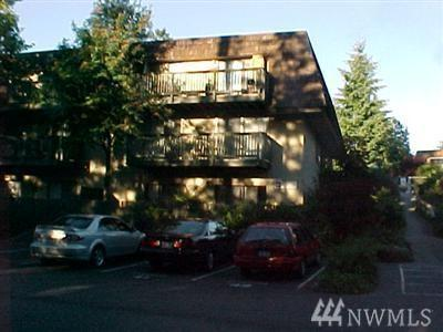 1420 153rd Ave NE B-381, Bellevue, WA 98007 (#1303330) :: Real Estate Solutions Group