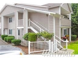 1001 W Casino Rd, Everett, WA 98204 (#1307871) :: The Vija Group - Keller Williams Realty
