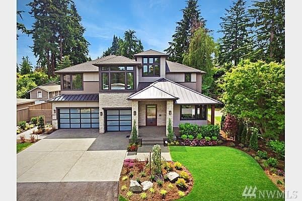 9821 NE 31st St, Bellevue, WA 98004 (#1308369) :: Real Estate Solutions Group