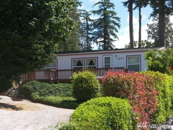 4854 Beach Wy, Ferndale, WA 98248 (#1313816) :: Real Estate Solutions Group