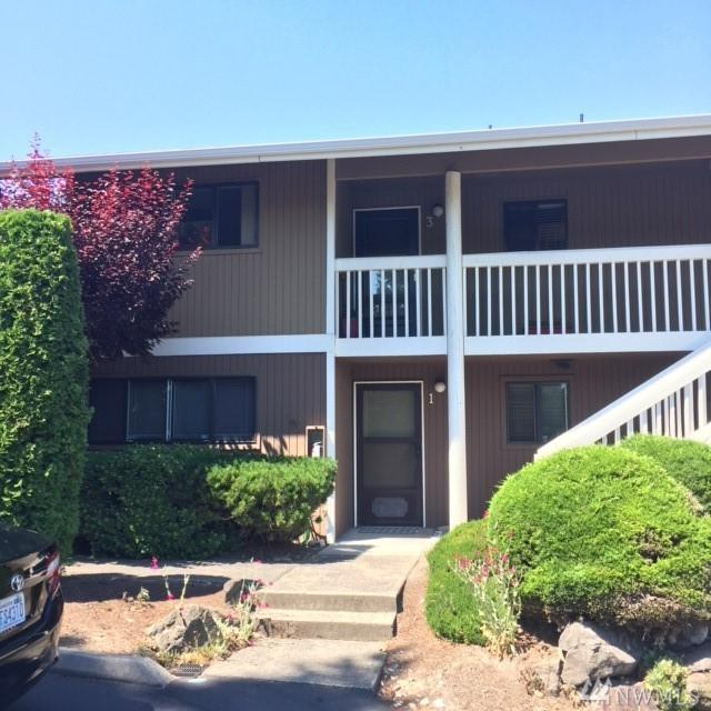 14050 SE 17th Place G3, Bellevue, WA 98007 (#1319298) :: Homes on the Sound