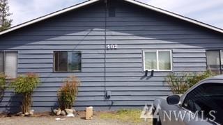 402 1st St, Sultan, WA 98294 (#1320140) :: Crutcher Dennis - My Puget Sound Homes
