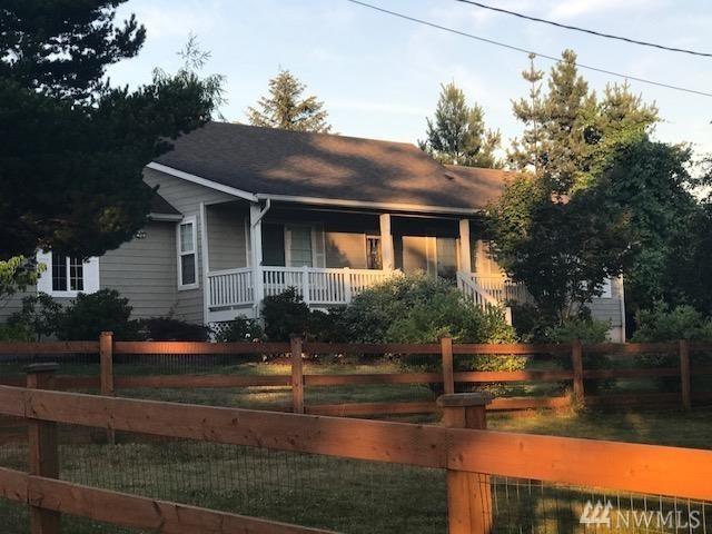 25561 Baker St, Black Diamond, WA 98010 (#1321278) :: Keller Williams Realty Greater Seattle