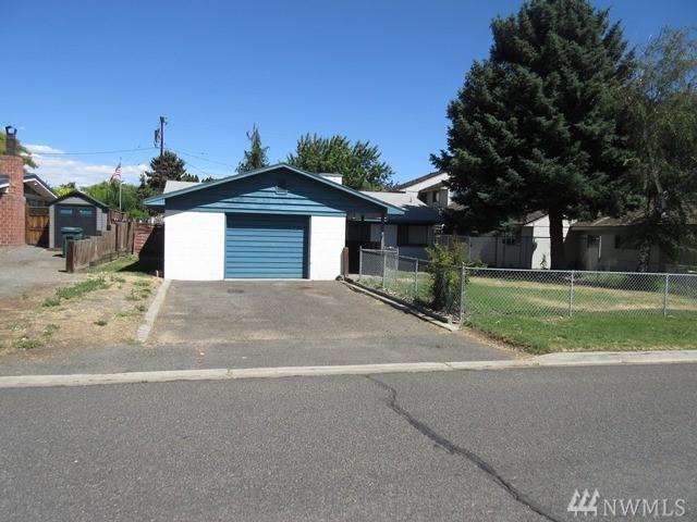407 S 49th Ave, Yakima, WA 98908 (#1322867) :: Brandon Nelson Partners