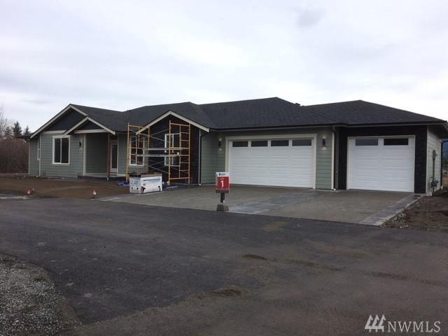 1333 Malatesta Ct, Enumclaw, WA 98022 (#1324764) :: Kimberly Gartland Group