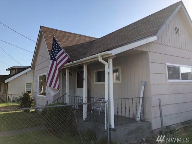 310 15th St SE, Puyallup, WA 98372 (#1326569) :: Icon Real Estate Group
