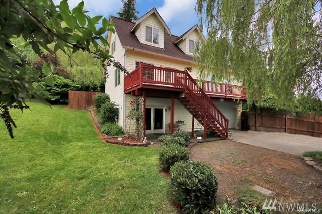 105 Cedar Ave S, Eatonville, WA 98328 (#1327370) :: Brandon Nelson Partners