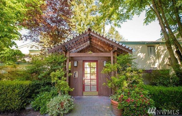 7901 196th St SW #1, Edmonds, WA 98026 (#1327539) :: McAuley Real Estate