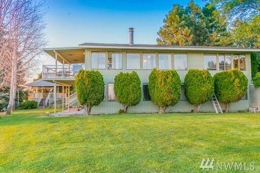 4904 NE Bluff Dr, Moses Lake, WA 98837 (#1330604) :: Homes on the Sound